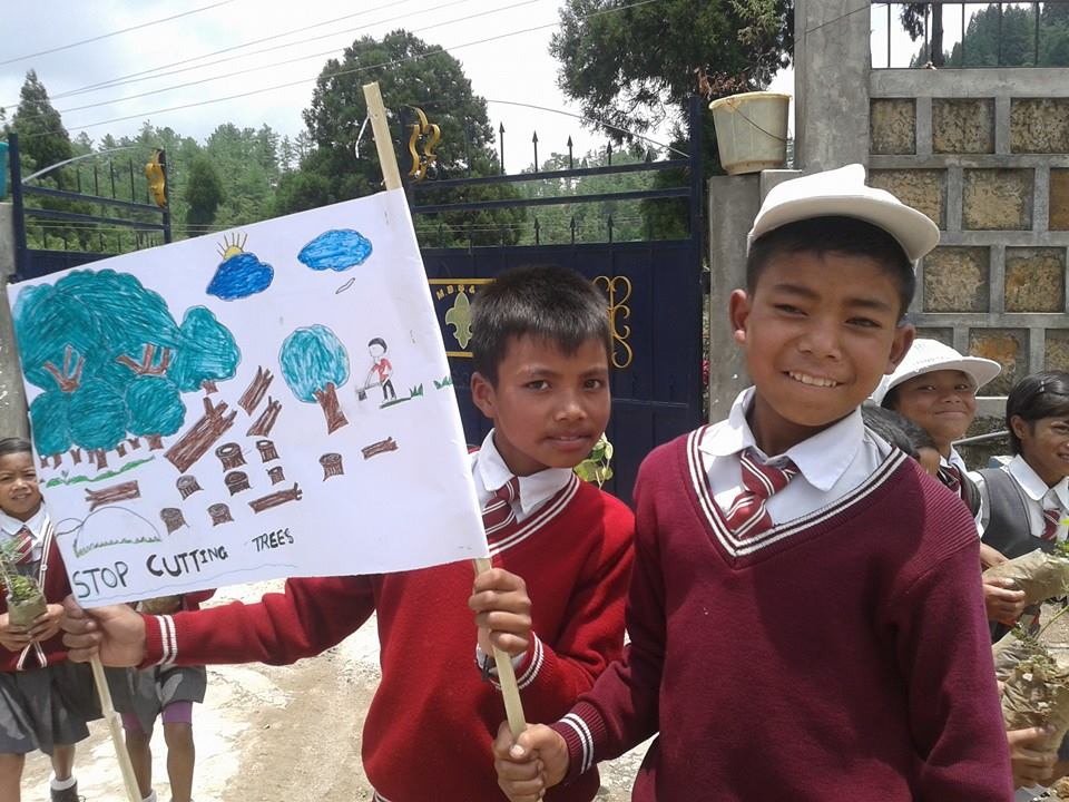 Children of Lamjingshai School, Umtyngngar on World Environment day